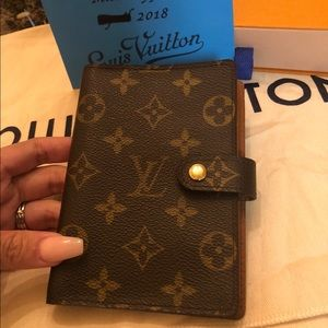 Authentic LV small ring agenda